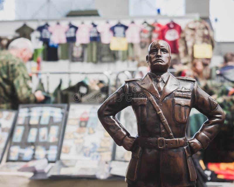 A estátua de Mussolini em Militalia em Milão, Itália imagem de stock royalty free