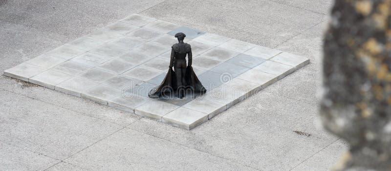 Estátua de Nimeño II vista da arena de Nimes, França imagem de stock royalty free