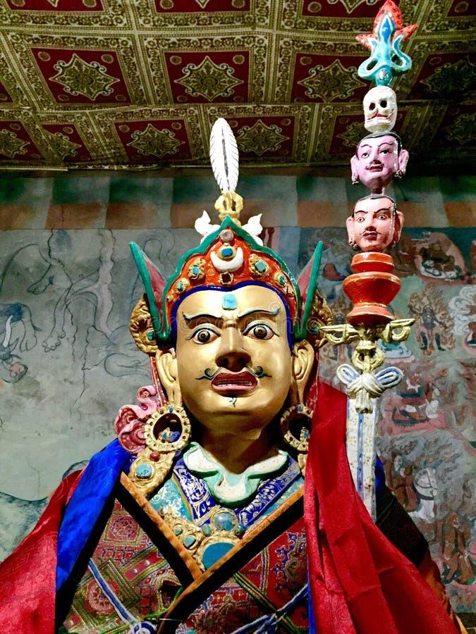 Estátua de Padmasambhava fotos de stock