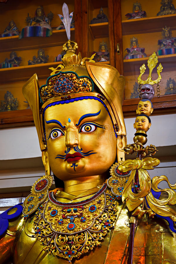 Estátua de Padmasambhava do guru foto de stock
