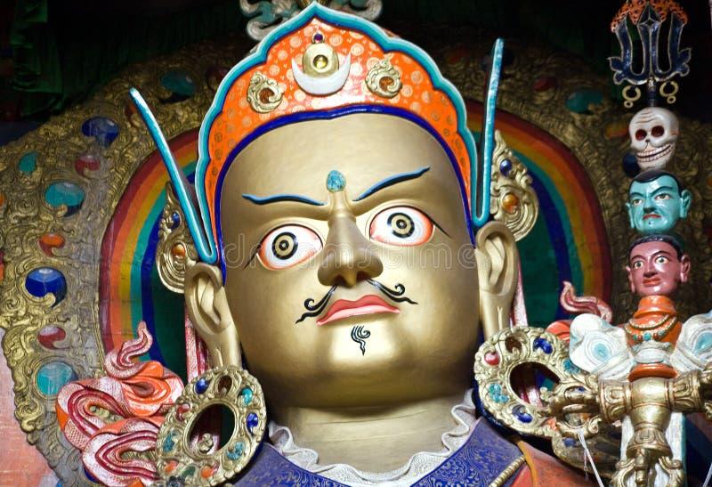 Estátua de Padmasambhava no monastério de Hemis, Leh-Ladakh, Índia imagem de stock royalty free