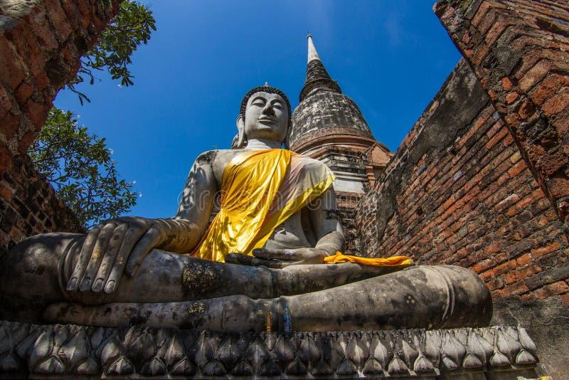 Estátua de pedra da Buda em Ayutthaya foto de stock