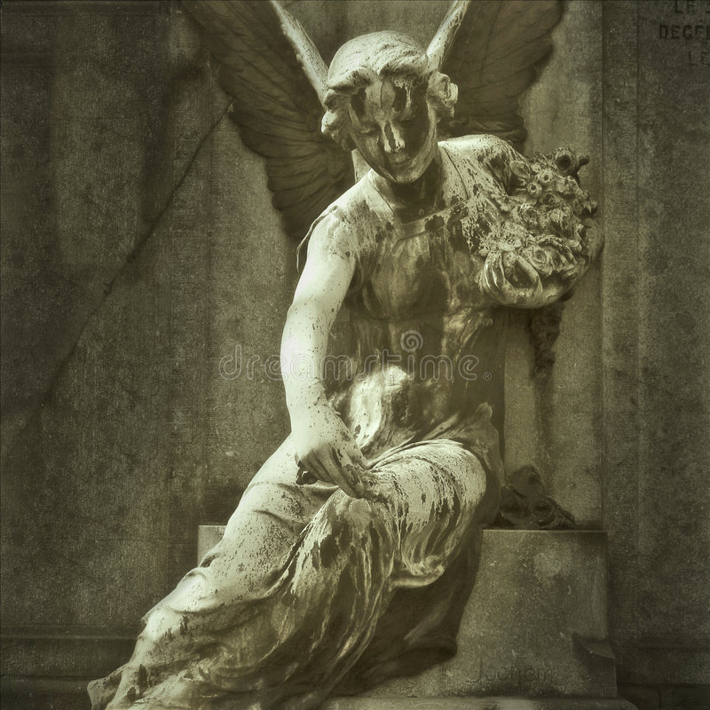 Estátua de pedra do anjo imagens de stock