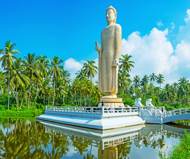 A estátua de Peraliya imagem de stock