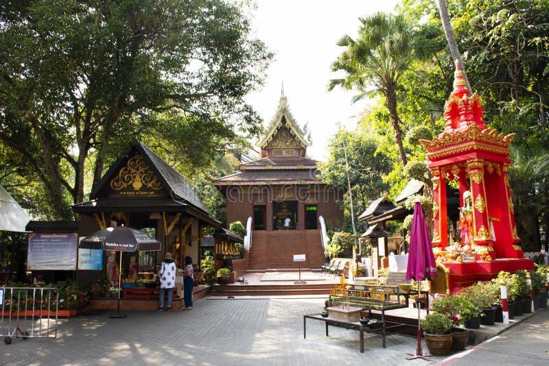 Estátua de Phra Kaew Morakot ou de Emerald Buddha no templo de Wat Phra Kaew na cidade de Chiangrai de Chiang Rai, Tailândia fotos de stock