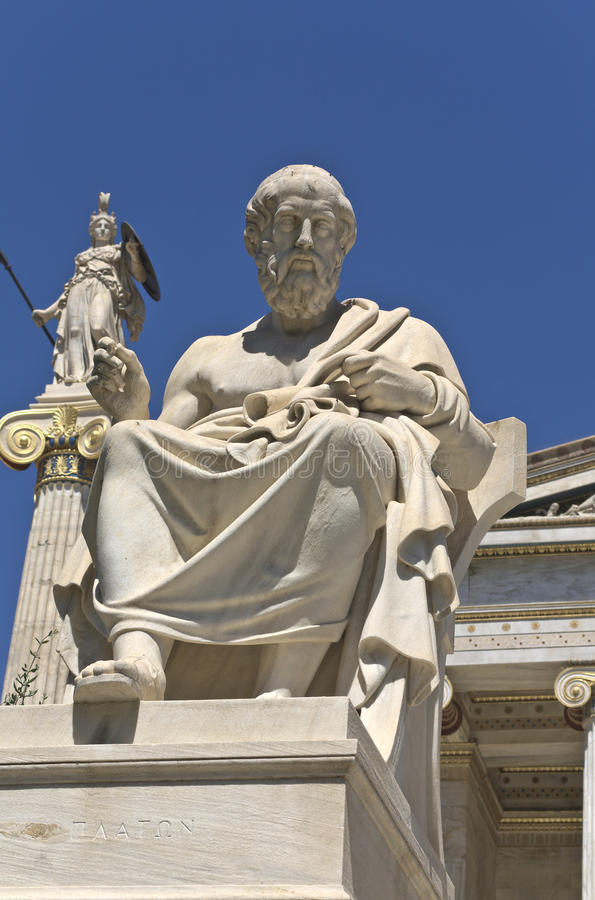 Estátua de Plato na academia de Atenas, Greece fotografia de stock royalty free