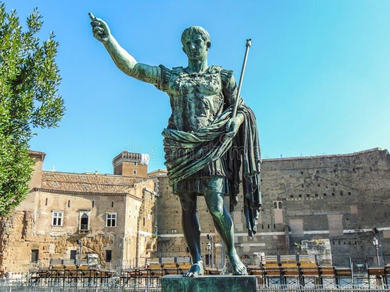 Estátua de Roman Emperor Augustus em Roma fotos de stock royalty free