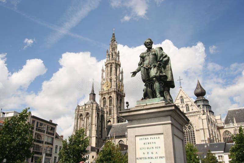 Estátua de Rubens em Antuérpia imagens de stock royalty free