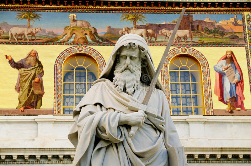 Estátua de Saint Paul, Roma fotografia de stock royalty free