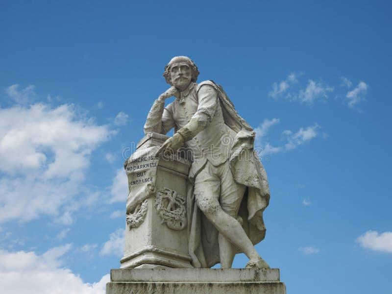 Estátua de Shakespeare em Londres imagens de stock royalty free
