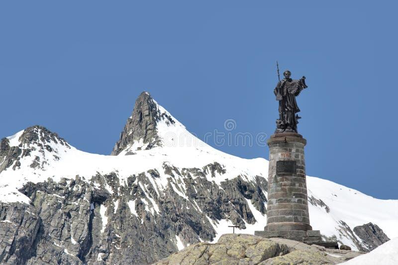 Estátua de St Bernard fotografia de stock royalty free