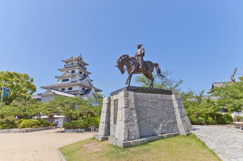 Estátua de Todo Takatora no castelo de Imabari, Japão foto de stock royalty free