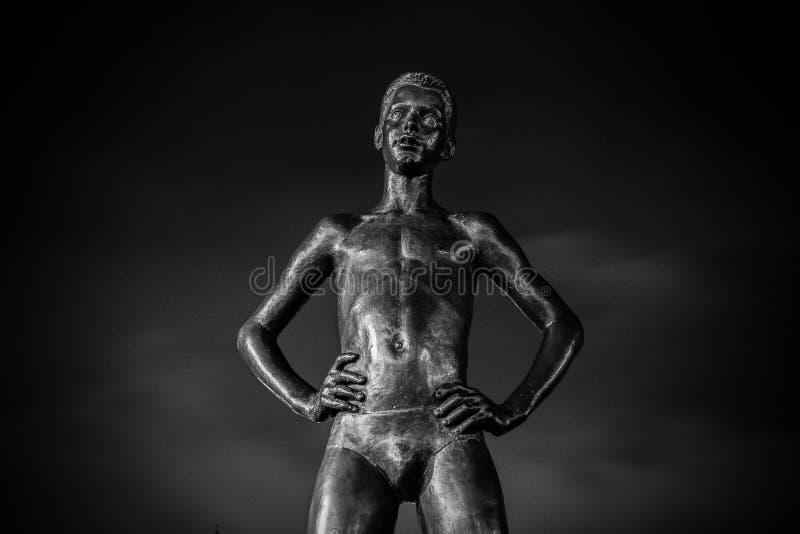 Estátua de um homem fotografia de stock royalty free
