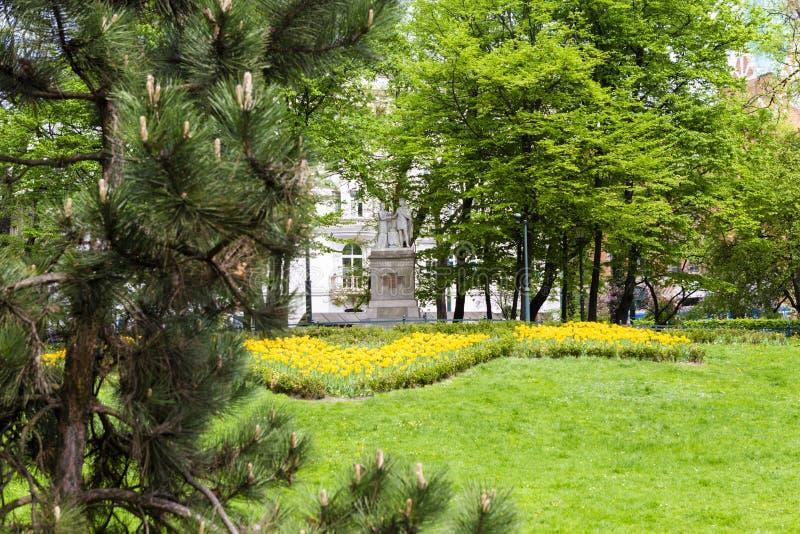 Estátua dedicada ao rei do Polônia Jagiello e à rainha Jadwiga foto de stock royalty free