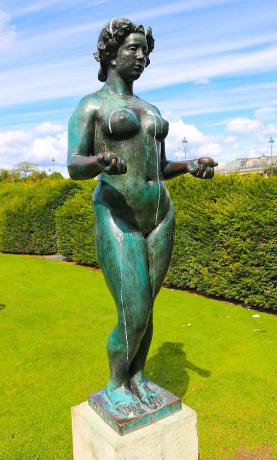 Estátua despida das mulheres - Paris imagem de stock