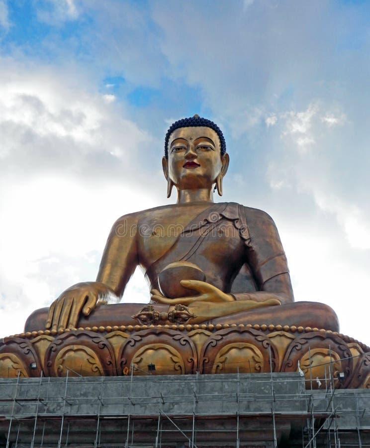 estátua do ฺBuddha em Butão imagem de stock
