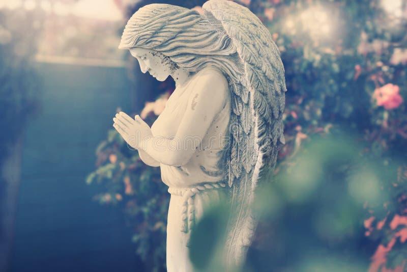 Estátua do anjo fotografia de stock