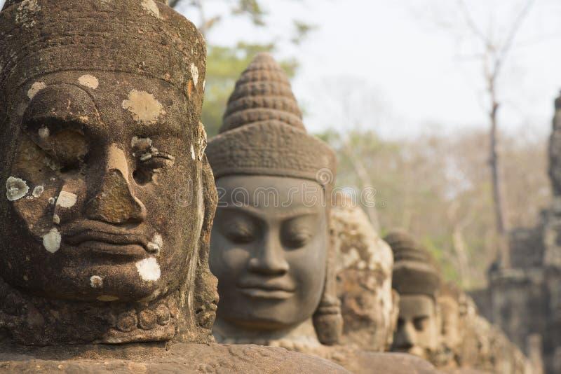 Estátua do anjo em Angkor Wat foto de stock
