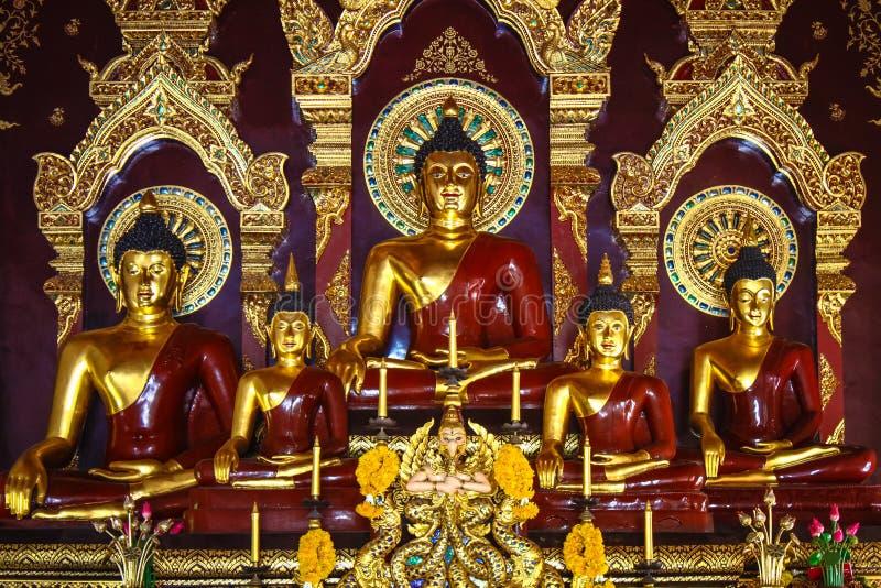 Estátua do assento da Buda foto de stock royalty free