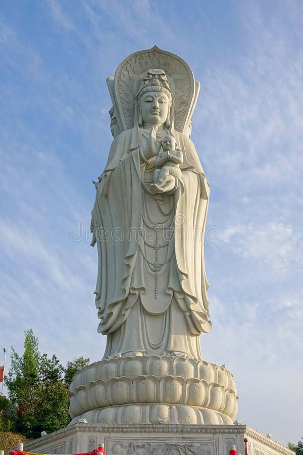 Estátua do bodhisattva de Guanyin imagem de stock royalty free