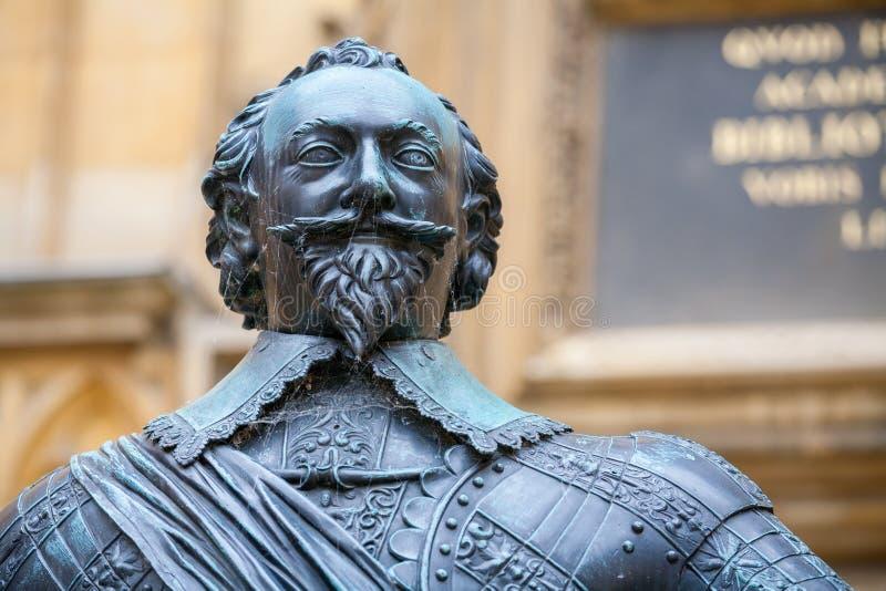 Estátua do conde do Pembroke. Oxford, Reino Unido fotografia de stock