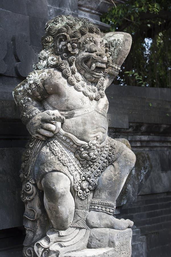 Estátua do demônio do Balinese fotos de stock