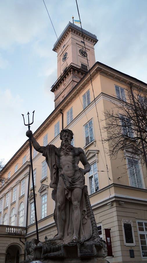 A estátua do deus grego Netuno foto de stock royalty free