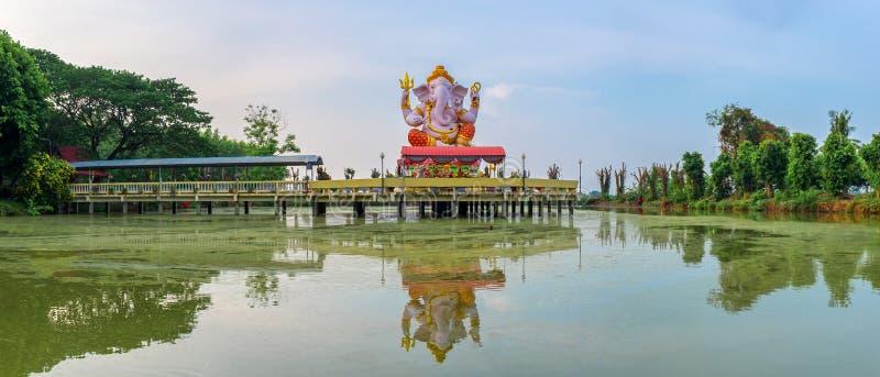 Estátua do deus hindu Ganesha no templo da tanga de Pikul, Sing Buri Tha fotos de stock
