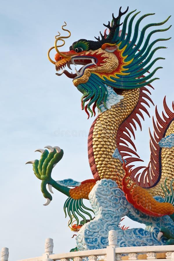 Estátua do dragão do estilo chinês, Tailândia recolhida imagens de stock