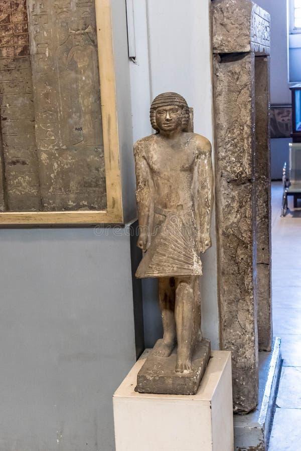 A estátua do egípcio antigo fotos de stock