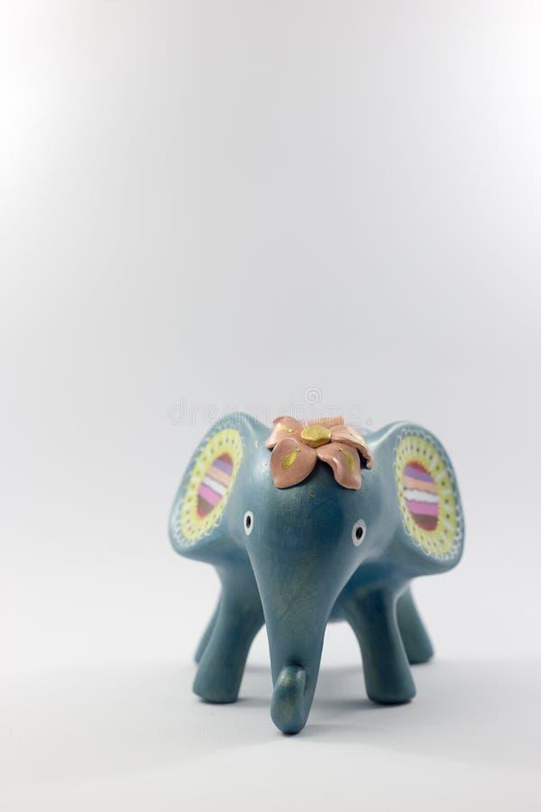 Estátua do elefante feita com madeira, estilo de Tailândia foto de stock
