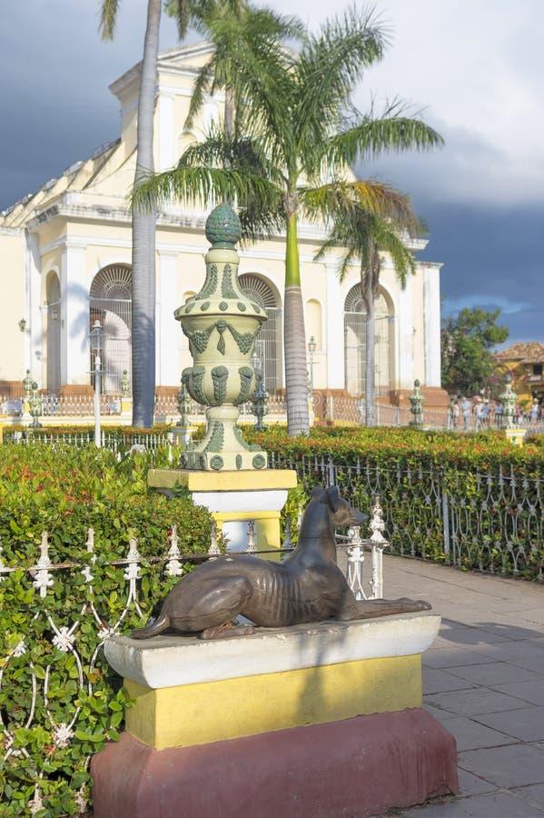 Estátua do ferro de um cão imagem de stock royalty free