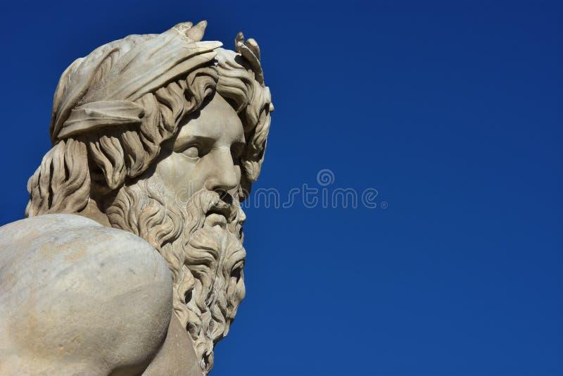 Estátua do grego ou do Roman God fotografia de stock royalty free