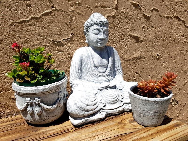 Estátua do jardim da Buda fotos de stock