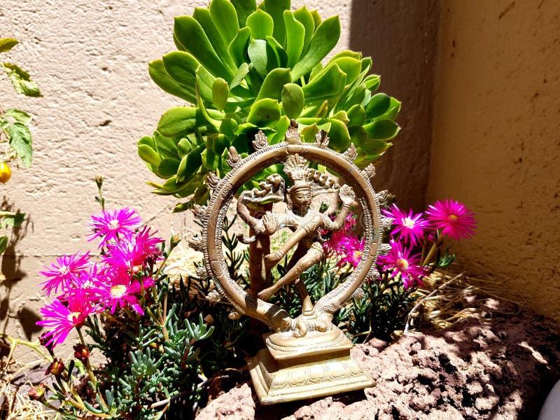 Estátua do jardim do anjo foto de stock