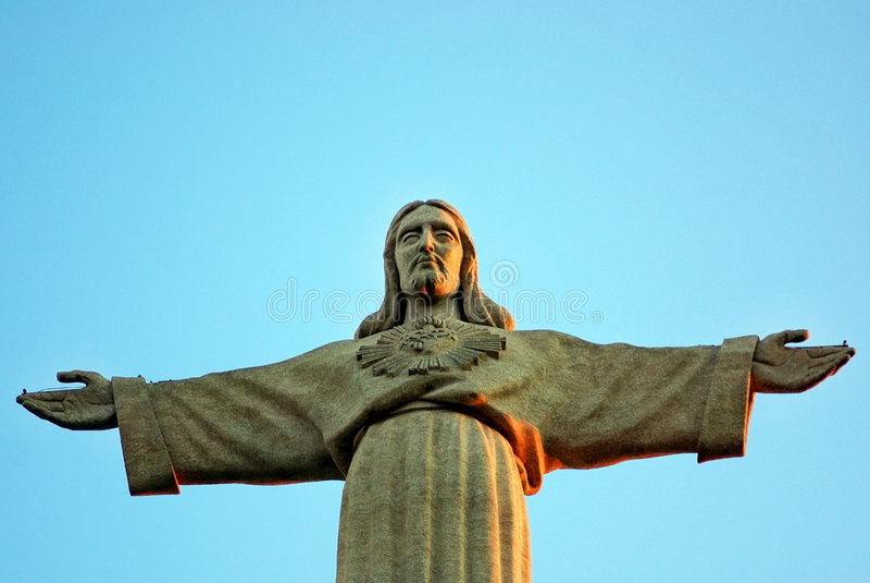 Estátua do Jesus Cristo em Almada. imagem de stock