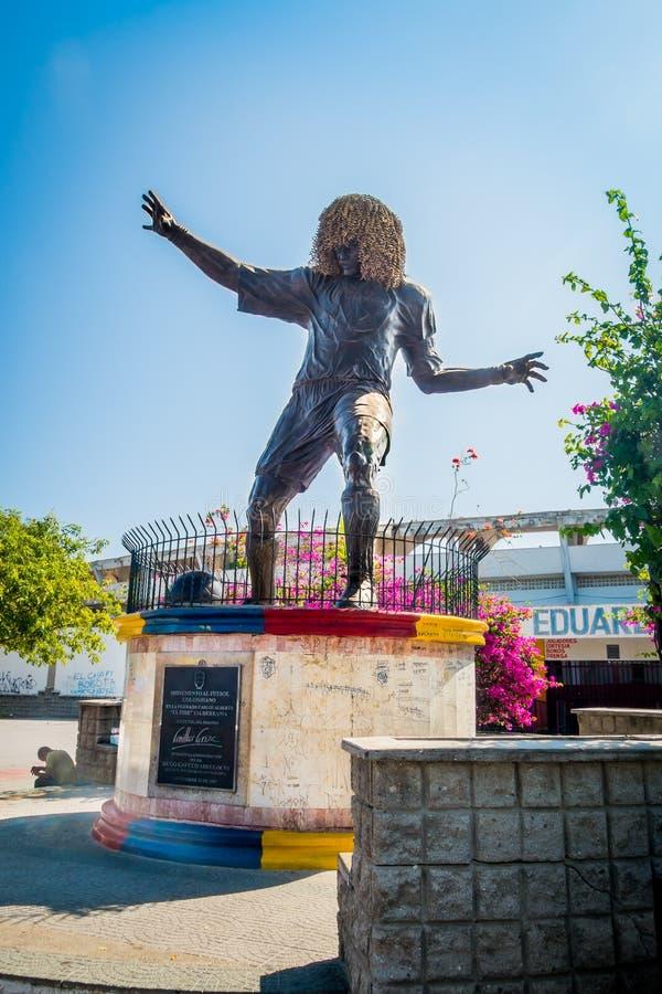 Estátua do jogador de futebol anterior Pibe Valderrama foto de stock