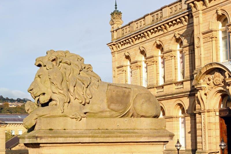 Estátua do leão em Saltaire, Reino Unido foto de stock royalty free