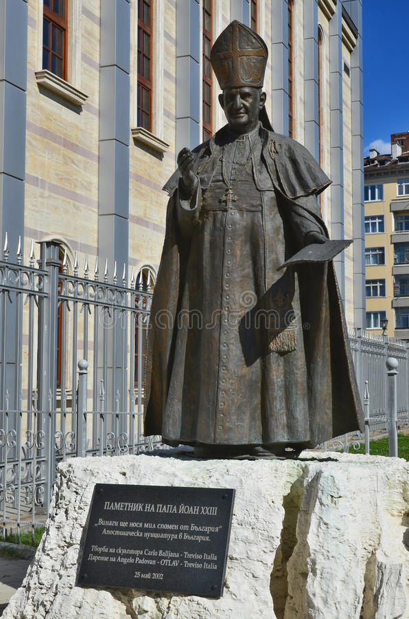 Estátua do papa John XXIII foto de stock