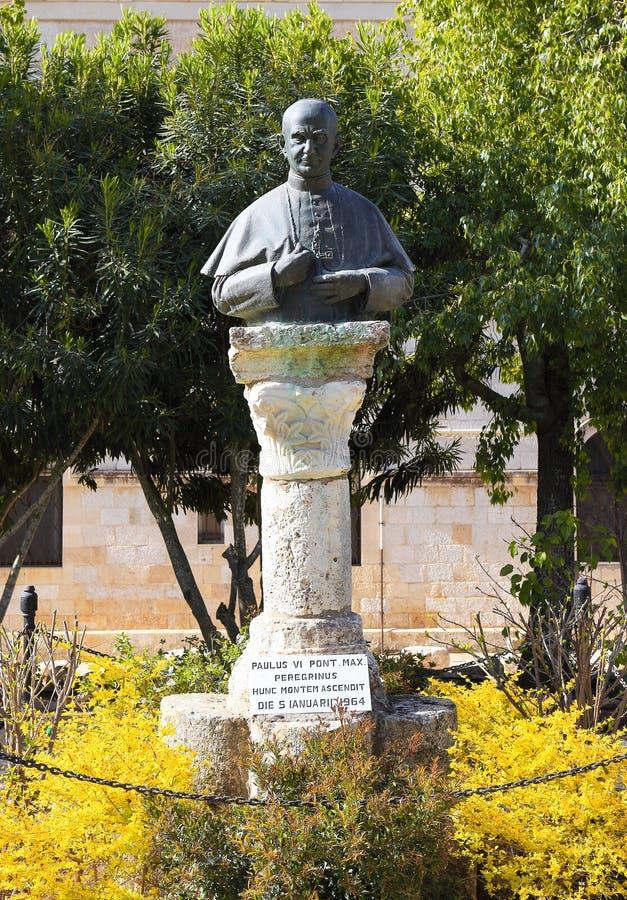 Estátua do papa Paul VI fotos de stock