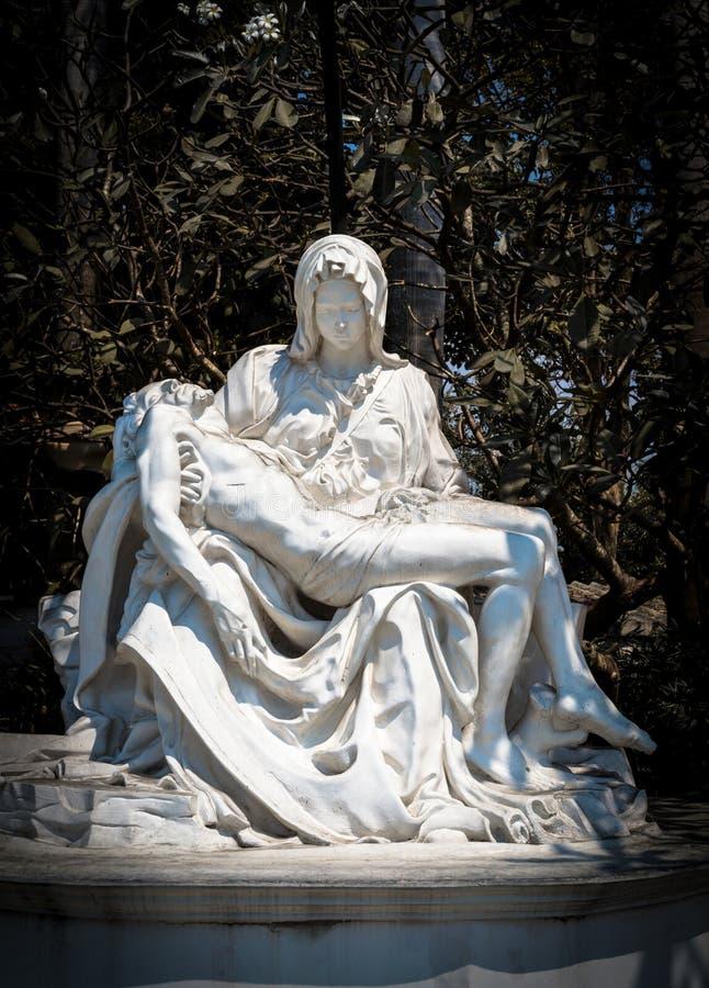 Estátua do Pieta fotografia de stock