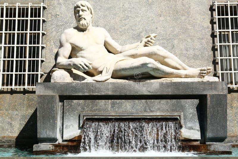 Estátua do Po, Turin, Itália fotos de stock royalty free