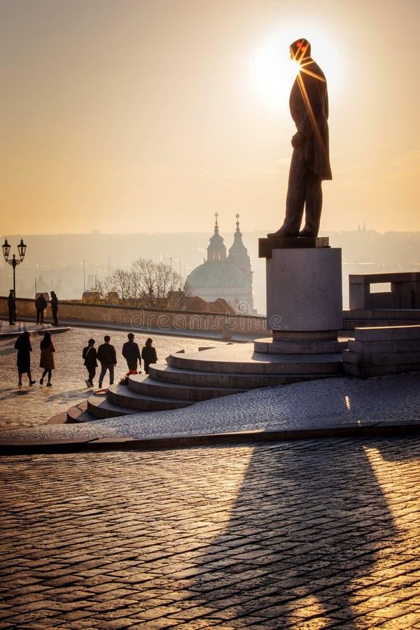 Estátua do primeiro presidente Czechoslovak T g Masaryk, castelo de Praga, república checa foto de stock