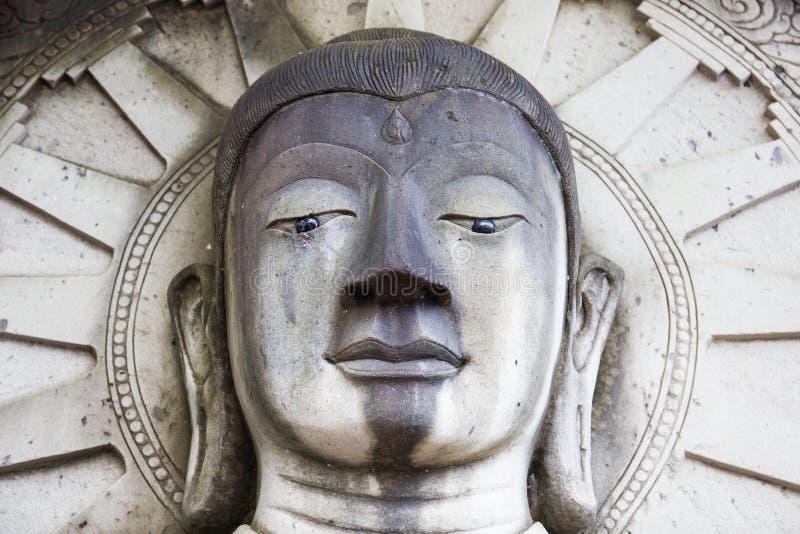 Estátua do símbolo de buddha, feito areia do frome, Tailândia foto de stock