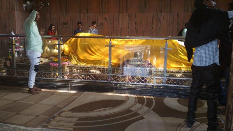Estátua do sono Buddha fotografia de stock royalty free