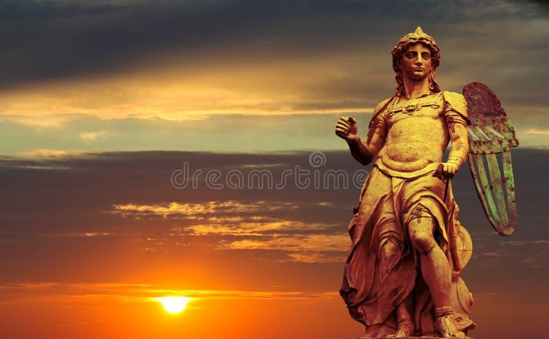 Estátua do St. Michael foto de stock