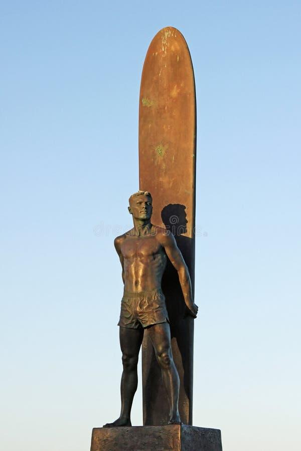 Estátua do surfista de Santa Cruz em Califórnia fotografia de stock