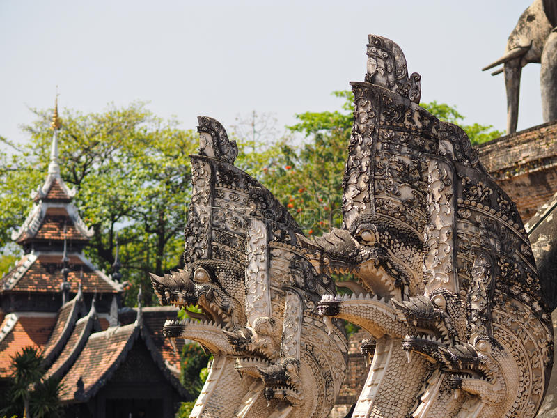 Estátua do templo de Tailândia fotografia de stock royalty free