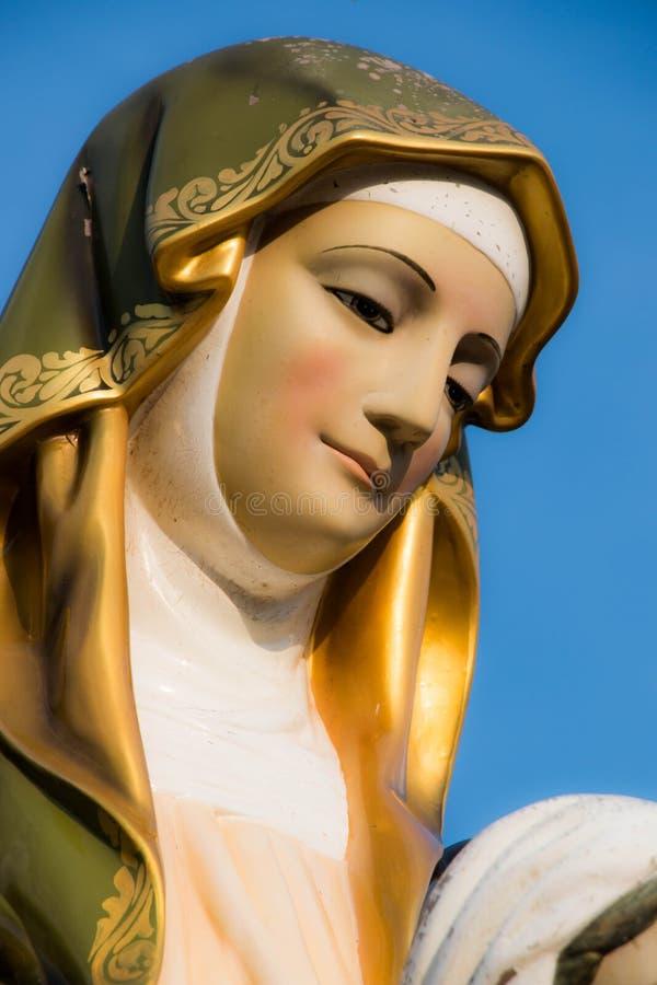 Estátua do vergin de Mary fotografia de stock royalty free