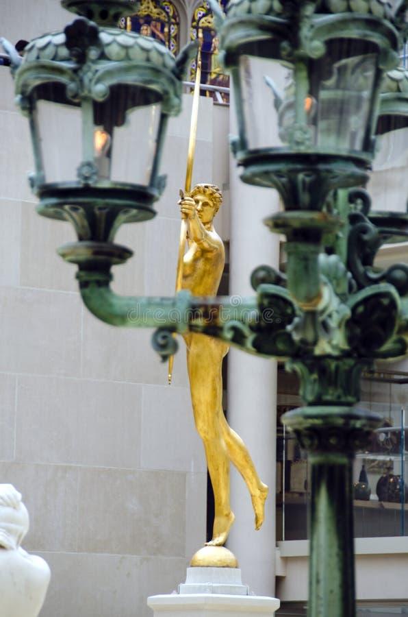 Estátua dourada fotos de stock royalty free